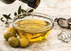 Оливковое масло для волос: применение масок в домашних условиях