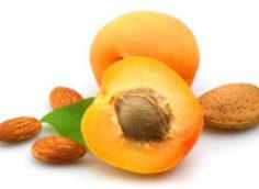 Персиковое масло для лица от морщин: применение масок